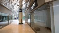 Nichts los: In der Schillerpassage stehen viele Läden leer.