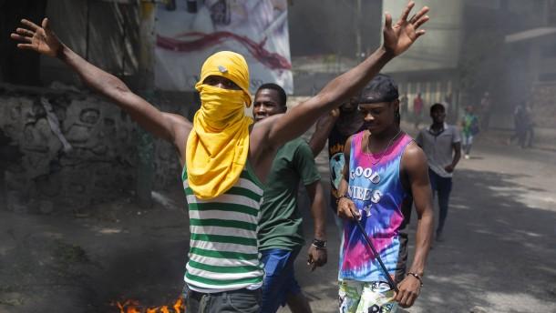Ausschreitungen in Haitis Hauptstadt Port-au-Prince
