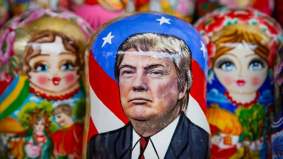 Matroschka mit Bild des gewählten Präsidenten: Auf ihn kann man sich nicht verlassen.