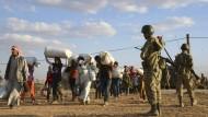 70.000 kurdische Syrer fliehen in die Türkei