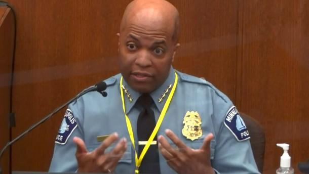 Polizeichef belastet Hauptangeklagten Chauvin