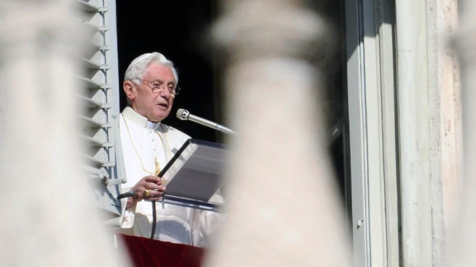 """Fordert """"eine verantwortungsvolle, glaubwürdige und solidarische Antwort"""": Papst Benedikt XVI."""