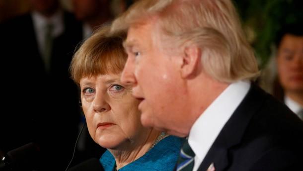 NSA-Chef: Trumps Spruch zu Merkel war nicht hilfreich