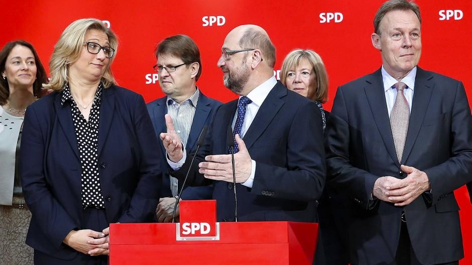 Nach links künftig abgrenzen? Anke Rehlinger, Martin Schulz und die SPD-Führung am Montag in Berlin
