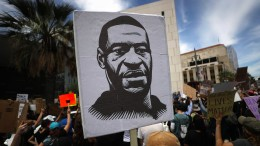 Staatsanwalt verschärft Anklage gegen Polizisten