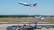 Frankfurter Flughafen: wichtiges Wirtschaftszentrum für die Stadt