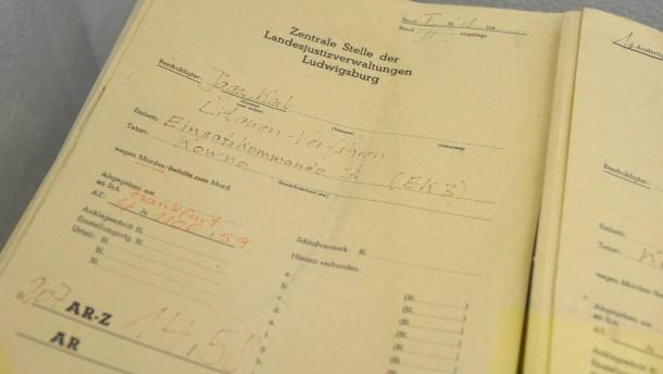 NS-Fahndungsstelle strebt Verfahren gegen 30 KZ-Aufseher an