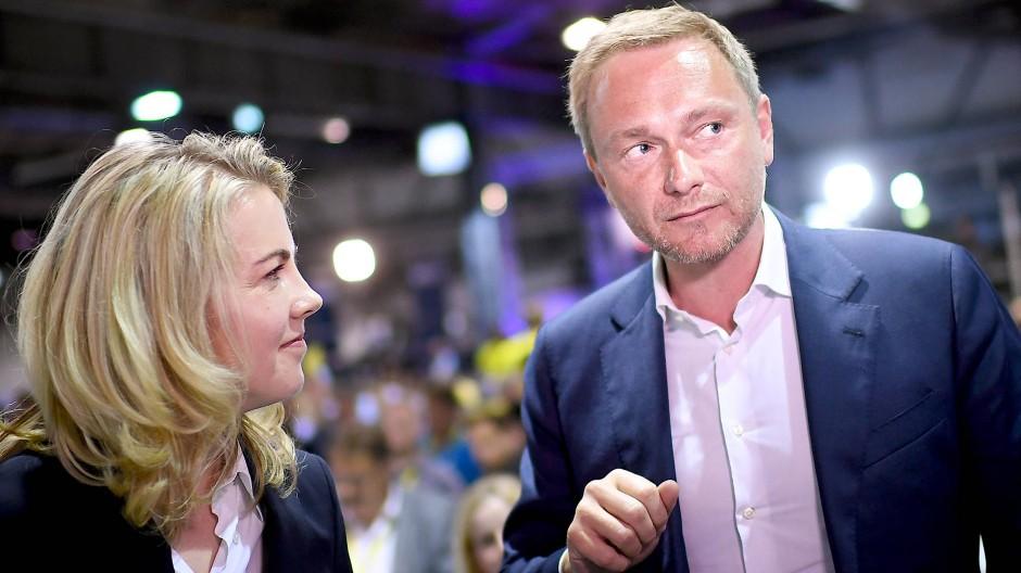 Wie weiter? Linda Teuteberg und Christian Lindner vergangenen April auf dem Bundesparteitag in Berlin