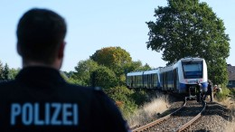 Mutter stirbt bei Unfall auf Bahnübergang