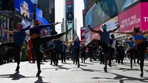 New York öffnet Theater und Stadien