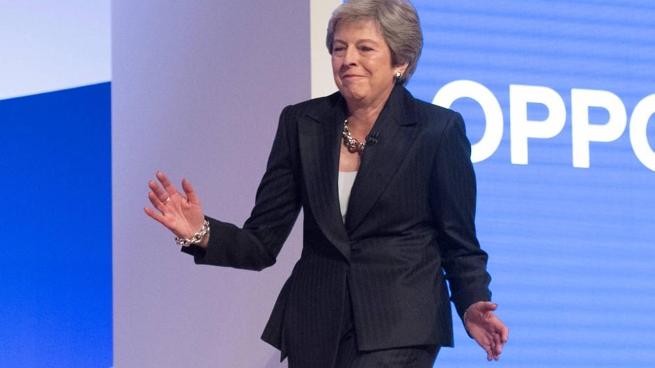 """Theresa May als """"Dancing Queen"""""""