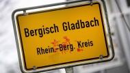 In Zusammenhang mit einem Fall von Kindesmissbrauch in Bergisch Gladbach ist auch im Raum Wiesbaden ein Tatverdächtiger festgenommen worden.