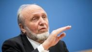 Geht bald in den Unruhestand: Deutschlands prominentester Wirtschaftsprofessor Hans-Werner Sinn