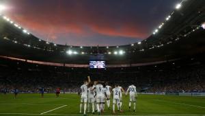 "Das Stade de France singt ""God save the Queen"""