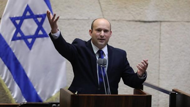 Hardliner Bennett wird neuer Regierungschef