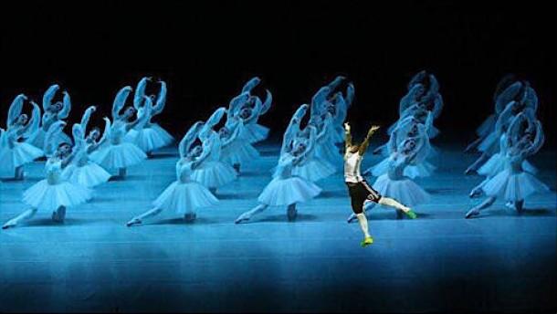 So lästert das Netz über Ballett-Boateng und Trippel-Zaza