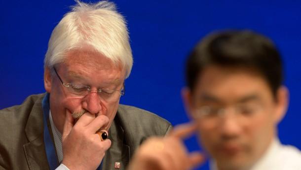 Hahn: Geringe Akzeptanz von Roesler auch wegen dessen Herkunft