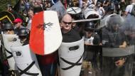 """""""Diese Leute wollen Gewalt, und wir werden sie ihnen geben"""": Amerikanische Neonazis am Samstag in Charlottesville"""