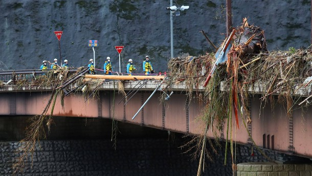 Zahl der Toten nach Unwetter steigt auf 50