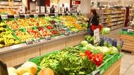 Schöne Aussicht: Verbraucher versorgen sich immer öfter im Biosupermarkt.