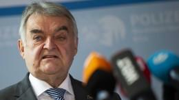 """Reul spricht von """"islamistisch motivierter Bedrohungslage"""" in Hagen"""