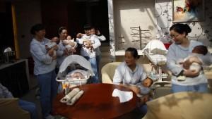 Nach der Geburt kaserniert