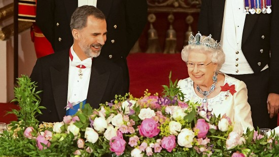 Royals unter sich: Felipe bei der Queen