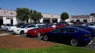 Neue Tesla-Autos in San Diego in Kalifornien
