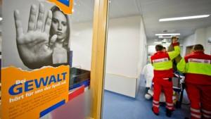 Härtere Strafen bei Übergriffen gegen Ärzte und Pfleger