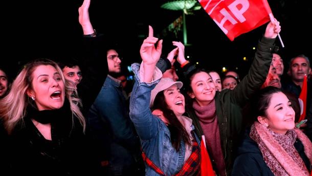Erdogan-Partei AKP verliert in Istanbul und Ankara