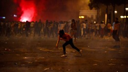 Ausschreitungen bei Jubelfeiern nach Frankreichs WM-Sieg