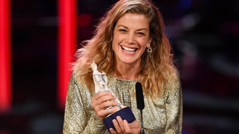 Im Januar wurde Marie Bäumer für ihre Rolle im Film 3 Tage in Quiberon als beste Darstellerin auch mit dem Bayerischen Filmpreis ausgezeichnet.