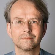 """Andreas Kilb - Portraitaufnahme für das Blaue Buch """"Die Redaktion stellt sich vor"""" der Frankfurter Allgemeinen Zeitung"""