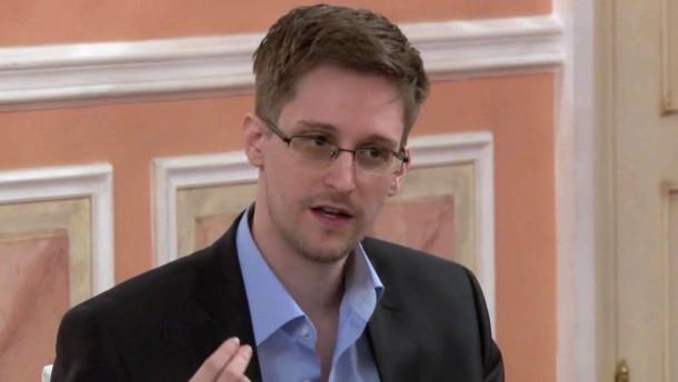 Bald Dr. phil. h.c. Edward Snowden?