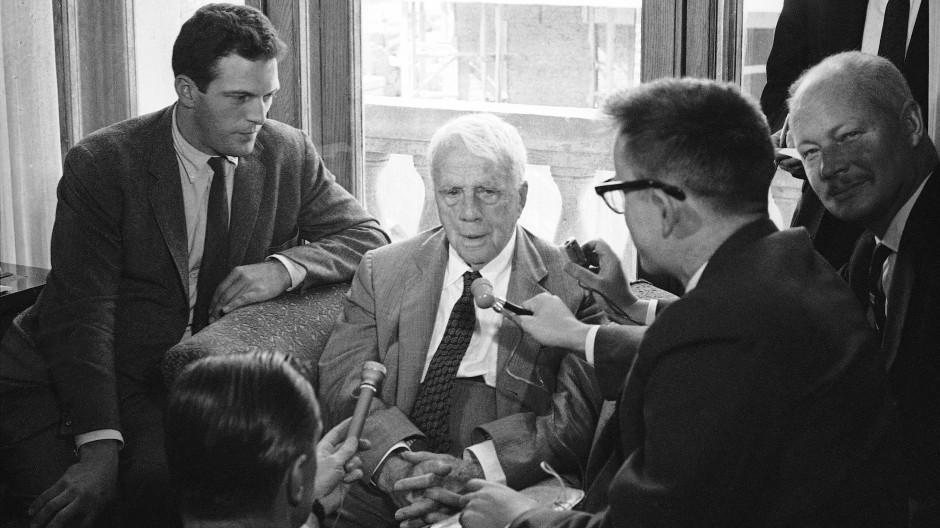 """Thomas Huber liest """"Die unverschlossene Tür"""" von Robert Frost"""