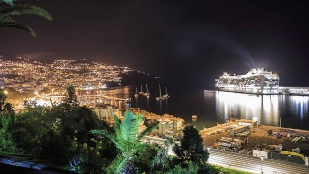 Madeira: Funchal - verträumte Hauptstadt der Blumeninsel