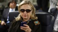 """""""Lösch deinen Account"""": Hillary Clinton twittert."""