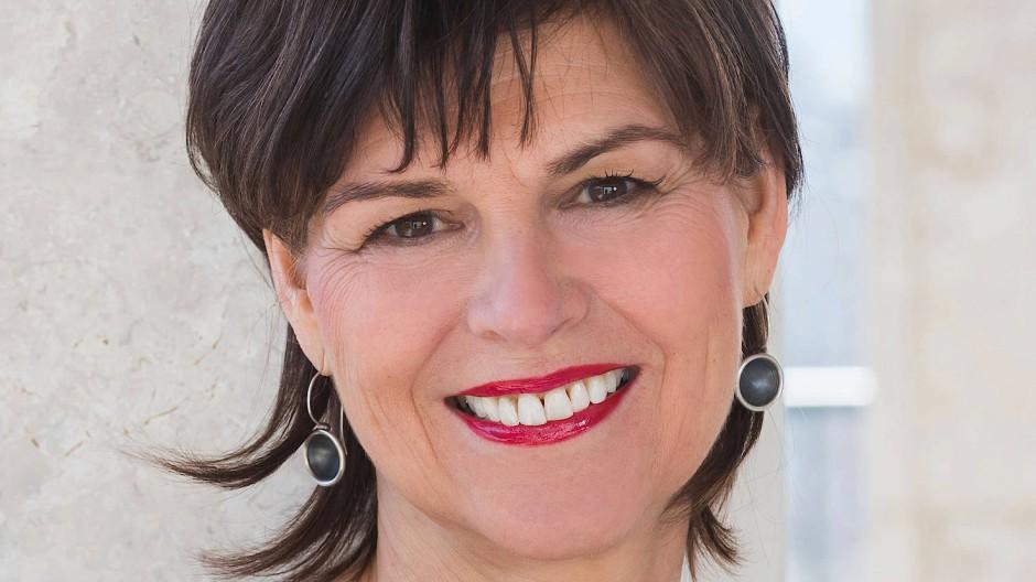 Die Sozialpädagogin ist seit Anfang 2019 Staatssekretärin im hessischen Sozialministerium.
