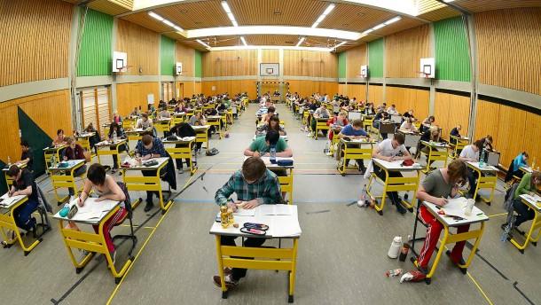 Lassen auch andere Länder die Abi-Prüfungen ausfallen?