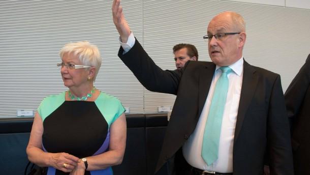 Kauder warnt vor Politisierung der Karlsruher Richter