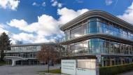 Bis vor kurzem Sitz der Herbert-Quandt-Stiftung: das Inge-Quandt-Haus, die frühere Zentrale der Altana AG