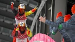 Deutsche Sportler freuen sich über Medaillen