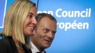 Der polnische Ministerpräsident Donald Tusk und  die italienische Außenministerin Federica Mogherini steigen in die Riege des EU-Spitzenpersonals auf