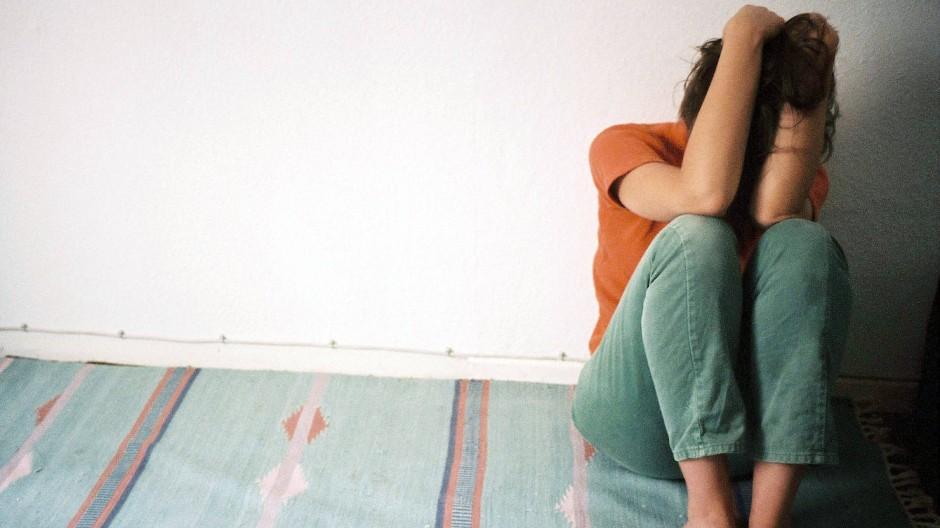 Traurig: Psychische Leiden nahmen im ersten Halbjahr 2021 gegen den Trend zu