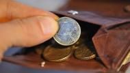 Ein kleiner Kreis der Superreichen zahlt wenig oder gar keine Erbschaftsteuern, denn ihr Vermögen besteht zu großen Teilen aus großen Firmen.