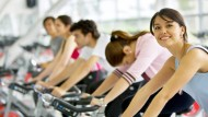 Radeln für die Gesundeit: Jeder achte Bundesbürger ist zurzeit in einem Fitnessstudio angemeldet.