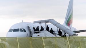 Niedersachsen schiebt Gefährder nach Nigeria ab