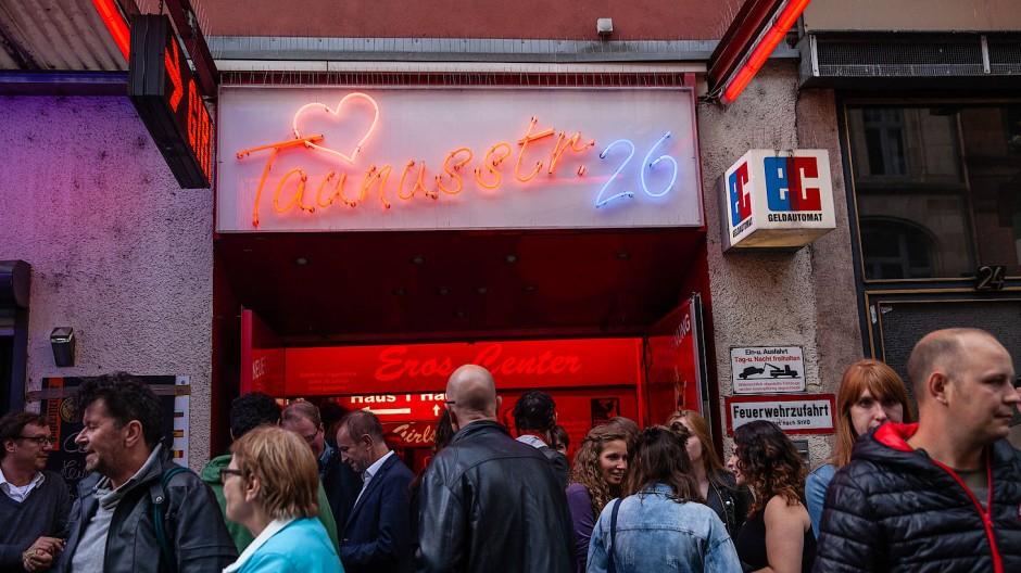 An diesem Donnerstag lädt das Frankfurter Bahnhofsviertel wieder zu seinem alljährlichen Straßenfest ein.