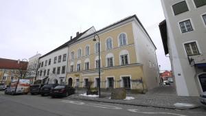 Eigentümerin von Hitlers Geburtshaus zu Recht enteignet