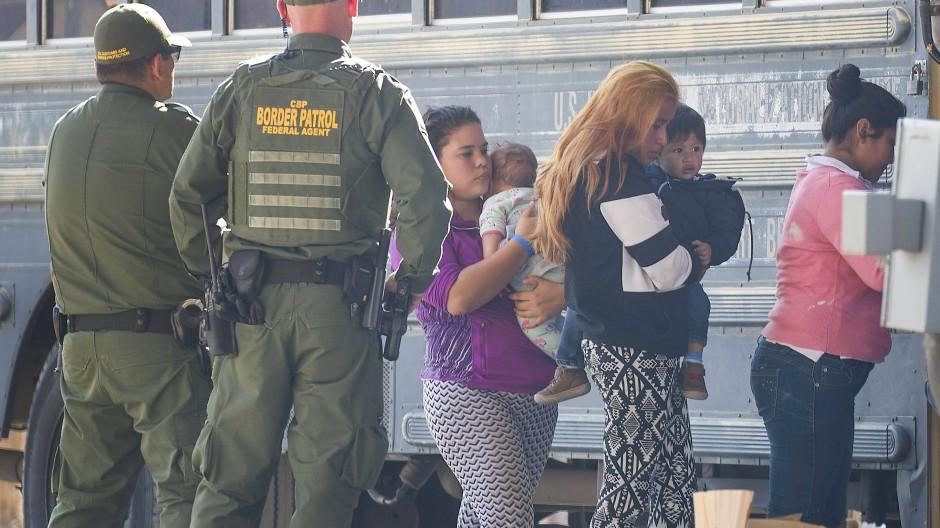 Einwanderer ohne Ausweispapier zurückgeschickt